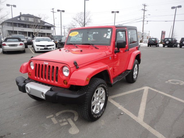 certified pre owned 2013 jeep wrangler sahara convertible in braintree j10298a quirk chrysler. Black Bedroom Furniture Sets. Home Design Ideas