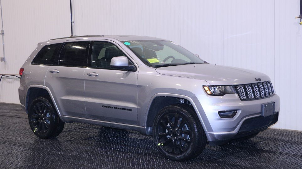 Jeep Cherokee Altitude >> New 2018 JEEP Grand Cherokee Altitude Sport Utility in Braintree #J16568 | Quirk Chrysler Jeep