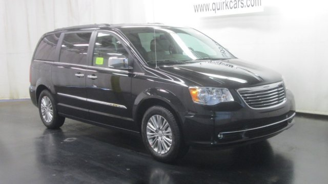 Used Chrysler Town & Country Touring-L